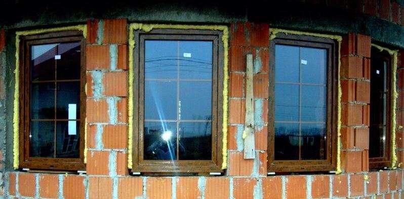 Schiuma poliuretanica per serramenti - Montaggio finestre pvc senza controtelaio ...